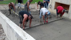 screeding-concrete